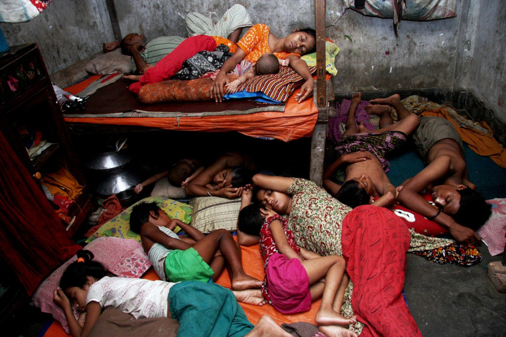 4,The-Life-&-Struggle-of-Garment-Workers_14-copy